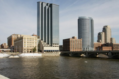Picture of high rise buildings in Grand Rapids MI
