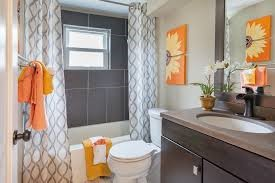 A picture of a beautifully decorated bathroom